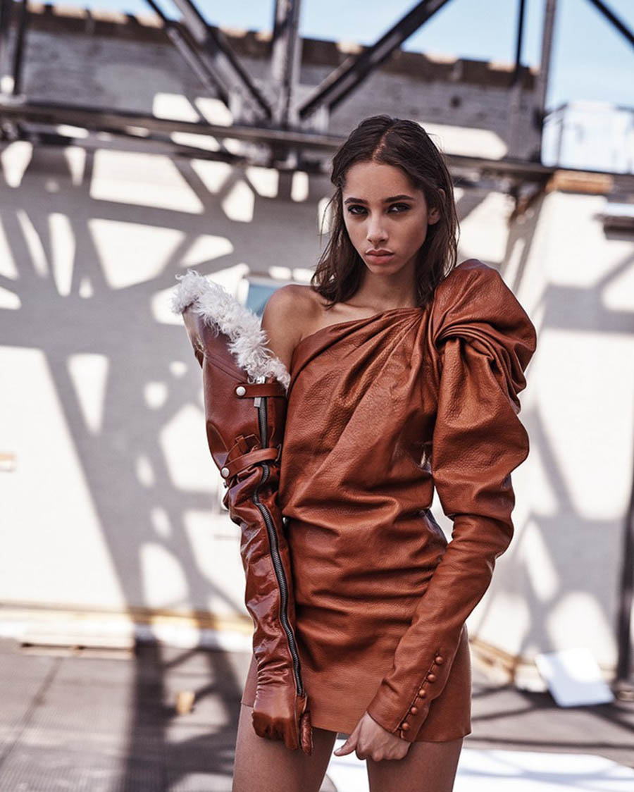 Yasmin Wijnaldum covers Vogue Korea December 2017 by Steven Pan