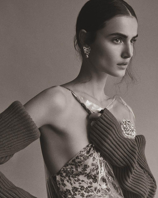 Blanca Padilla covers Harper's Bazaar Turkey January 2018 by Tom Schirmacher