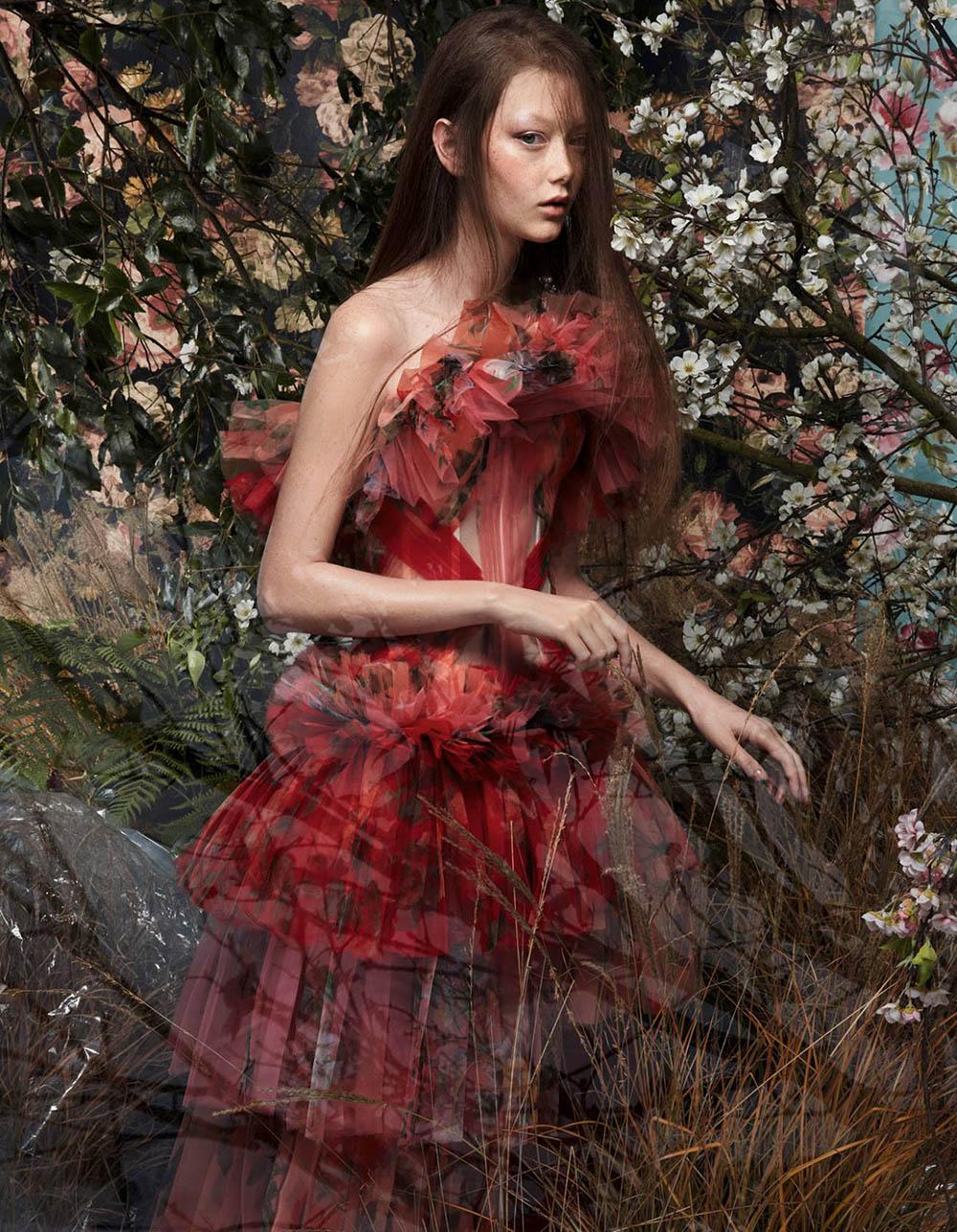 Sara Grace Wallerstedt covers Vogue China May 2018 by Sølve Sundsbø