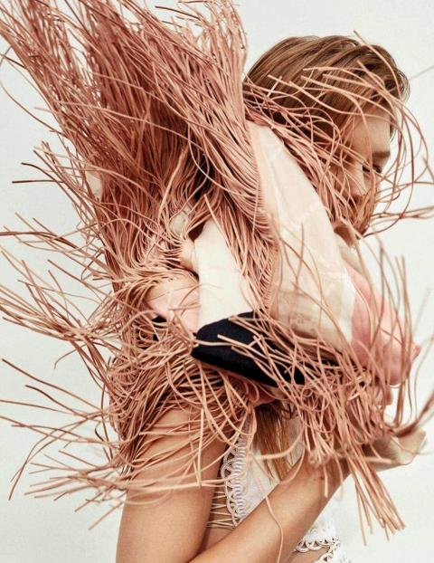 Sofia Mechetner by Daniel Riera for Vogue Spain May 2018
