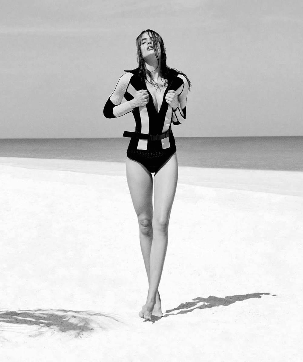 Anna Mila Guyenz covers Harper's Bazaar Spain June 2018 by Rosa Copado