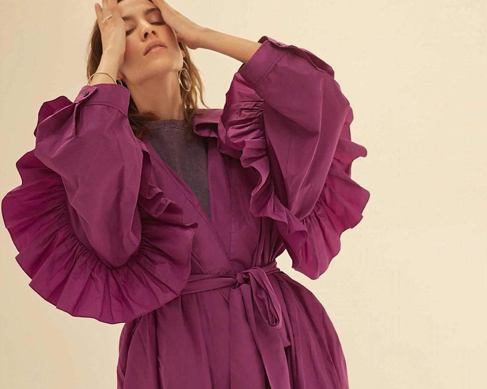 Alexa Chung covers Harper's Bazaar Spain July 2018 by Agata Pospieszynska