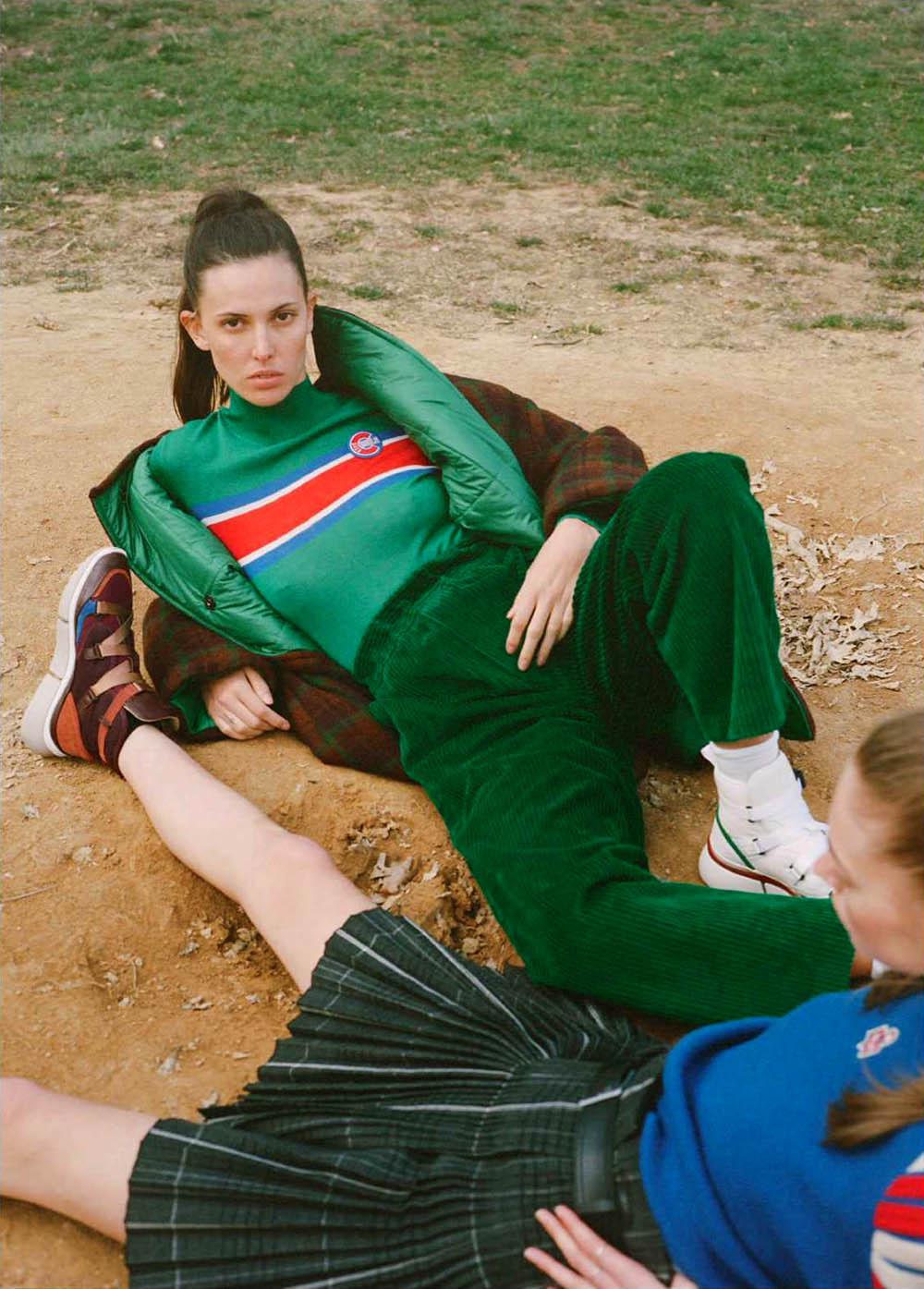 Lauren de Graaf and Ruby Aldridge by Rebekah Campbell for Elle UK July 2018