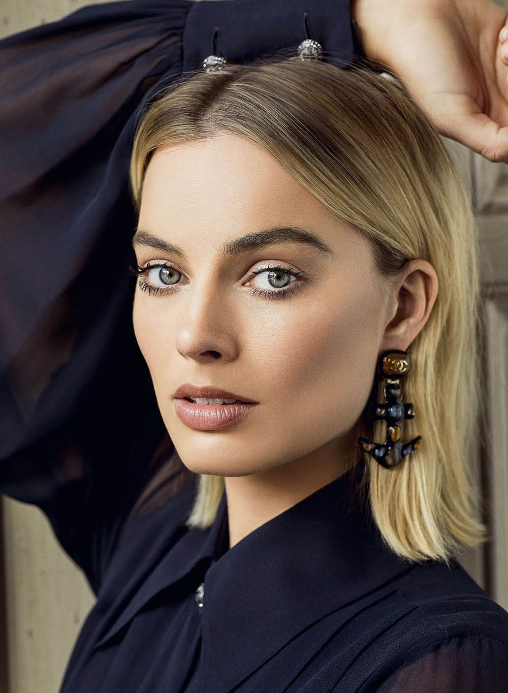 Margot Robbie covers ES Magazine July 20th, 2018 by Max Papendieck