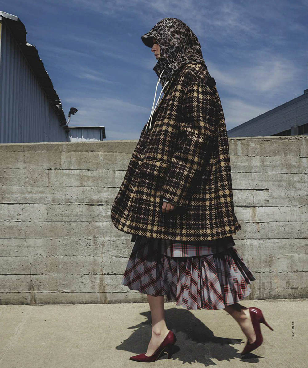 Jessie Bloemendaal by Sebastian Kim for Vogue Australia August 2018
