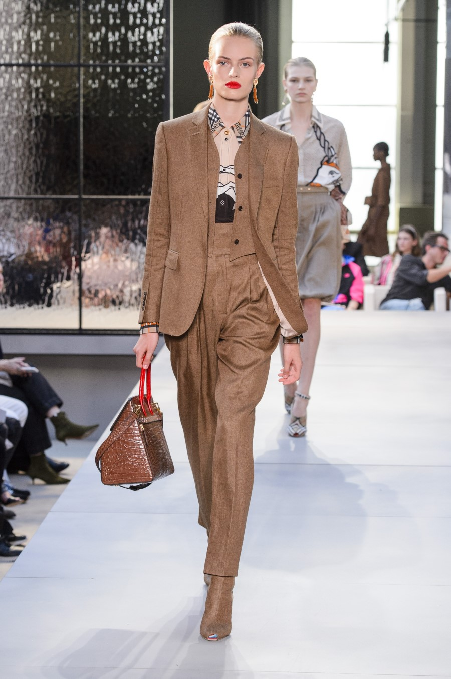 Burberry Spring Summer 2019 London Fashion Week