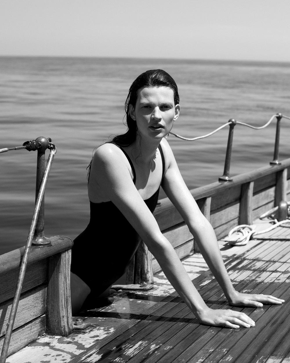Bette Franke covers Harper's Bazaar Spain October 2018 by Paul Bellaart