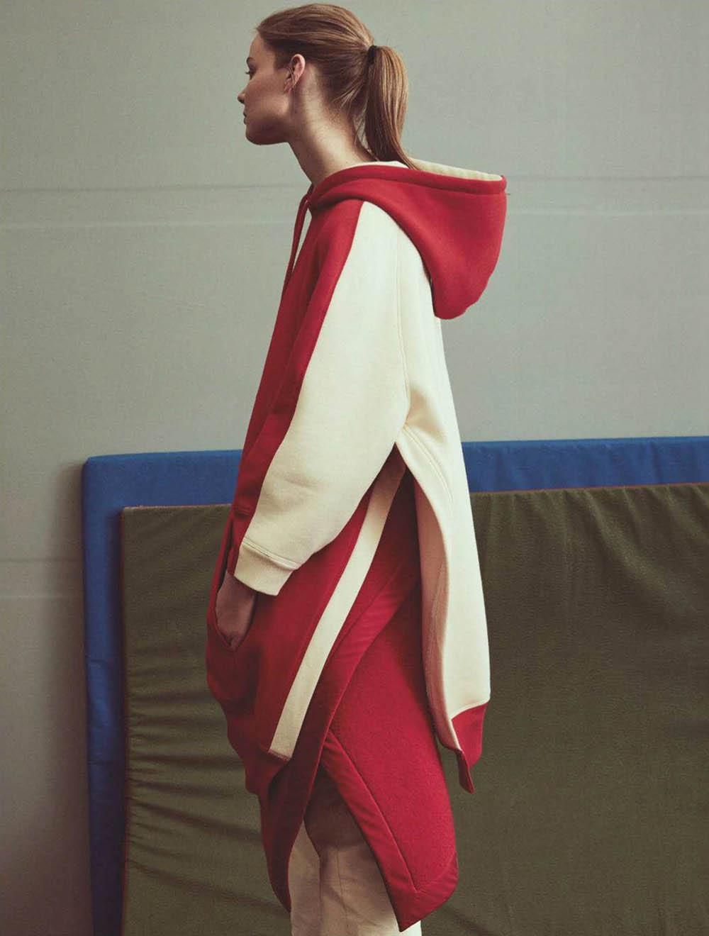 Carolin Loosen by Mikael Schulz for Elle Portugal October 2018