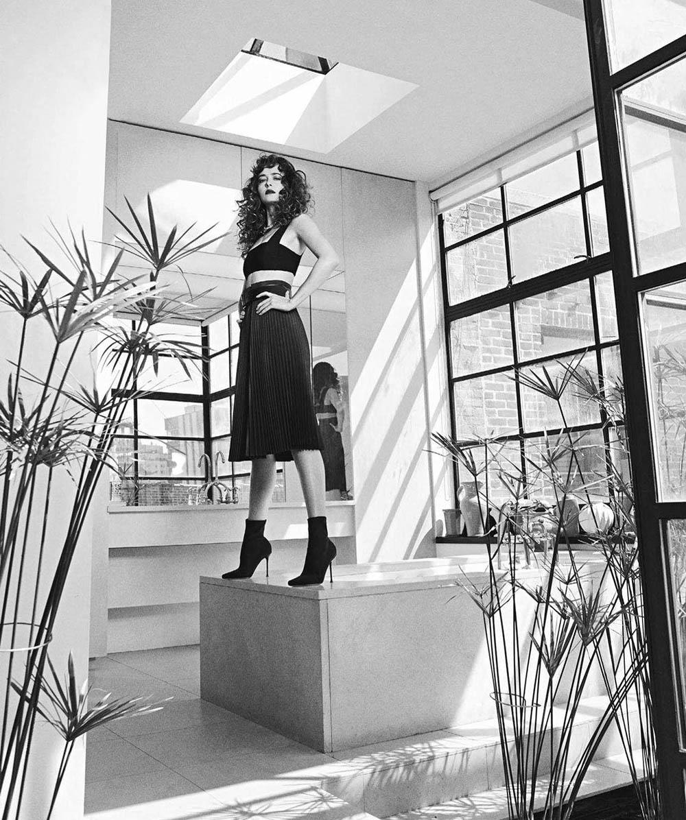 Dakota Johnson covers Vogue Australia October 2018 by Emma Summerton