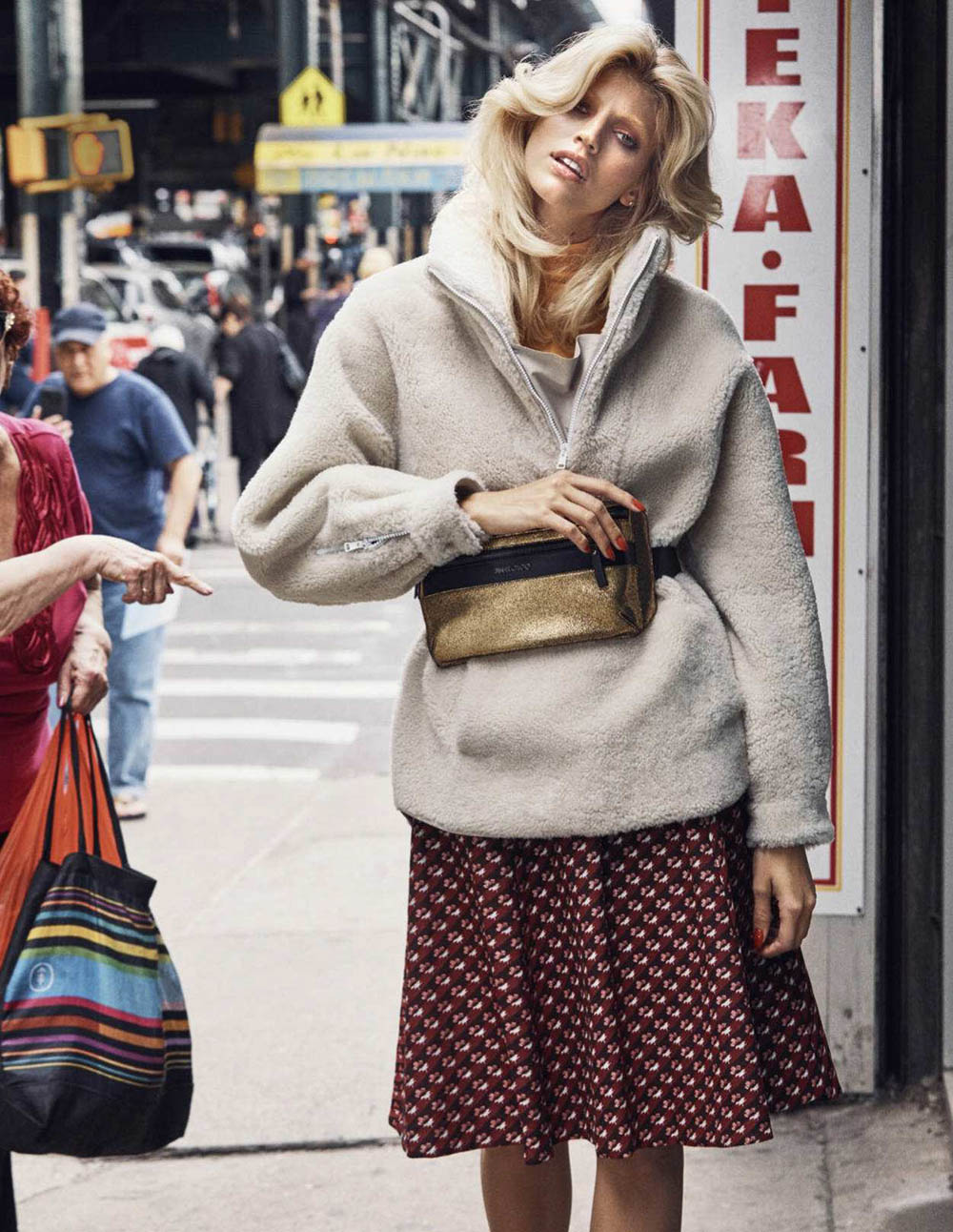Devon Windsor by Dean Isidro for Elle Russia October 2018