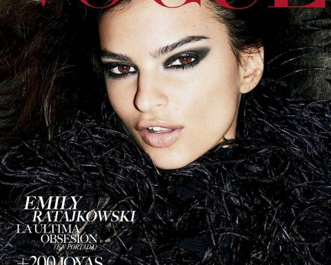 Emily Ratajkowski covers Vogue Mexico & Latin America October 2018 by Carin Backoff