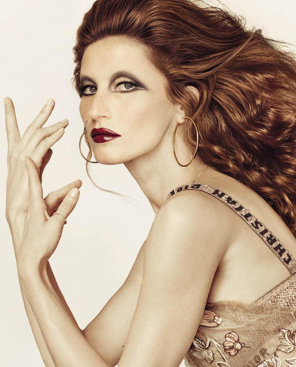 Gisele Bündchen covers Vogue Italia October 2018 by Luigi & Iango