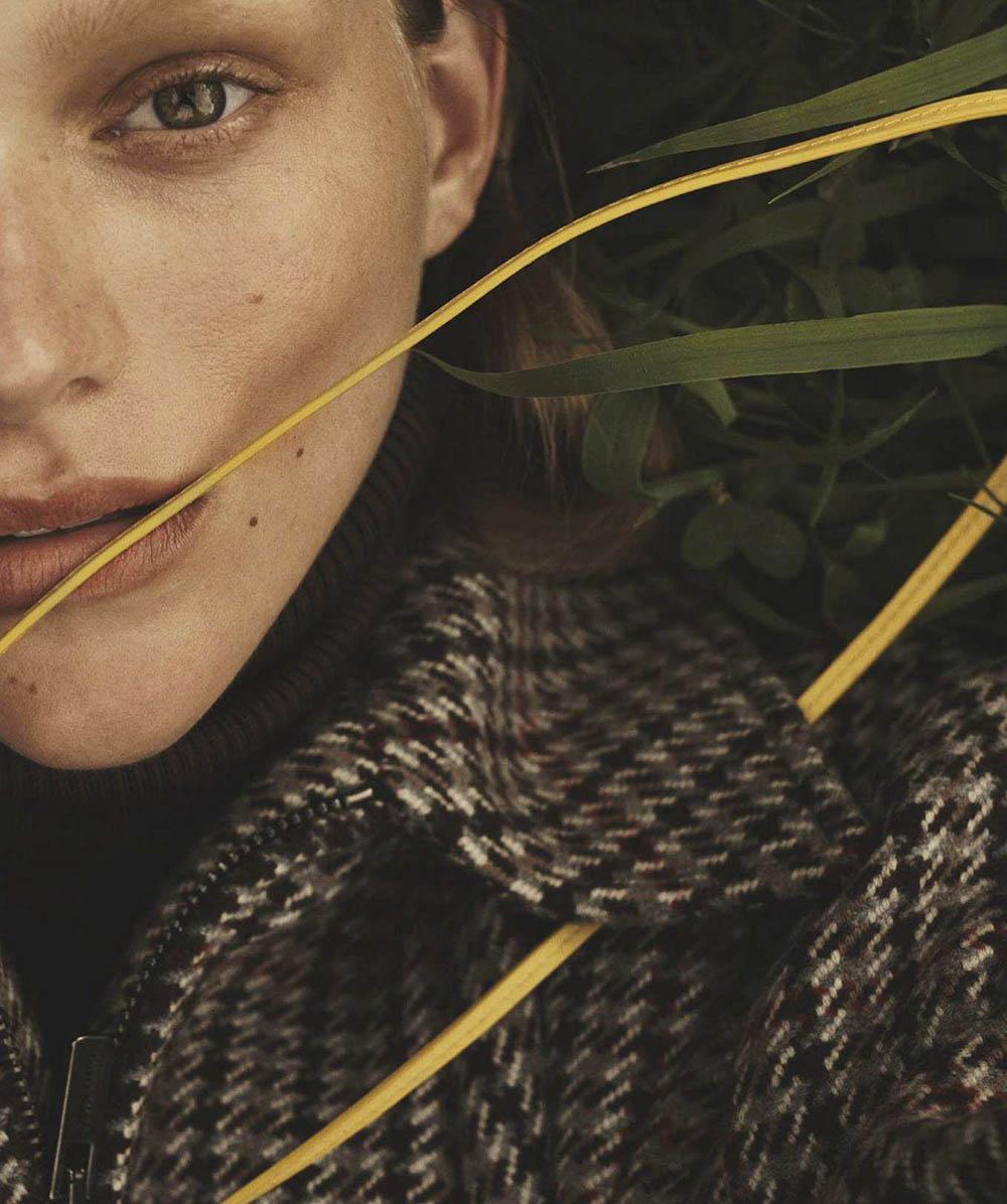 Natalie Ogg by Emma Tempest for Vogue Australia October 2018