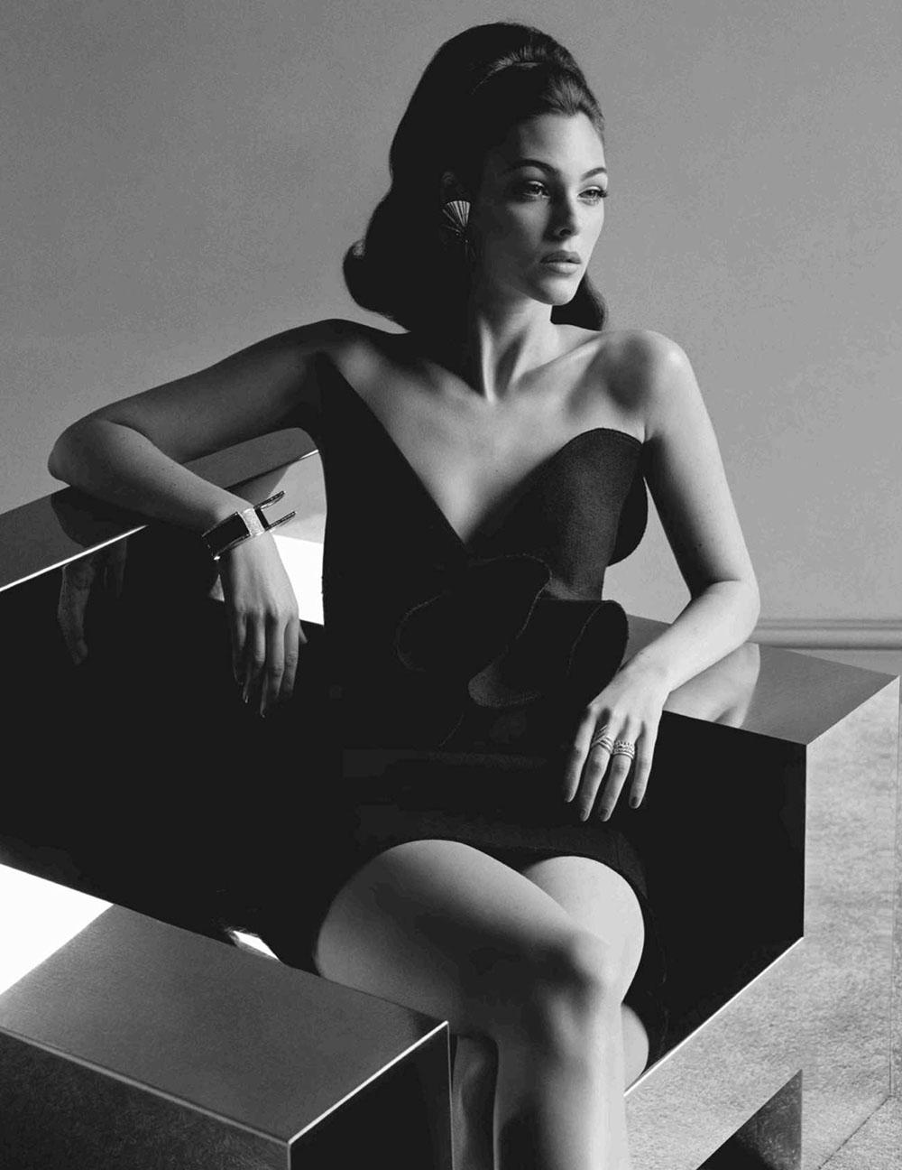 Vittoria Ceretti by Alasdair McLellan for British Vogue November 2018