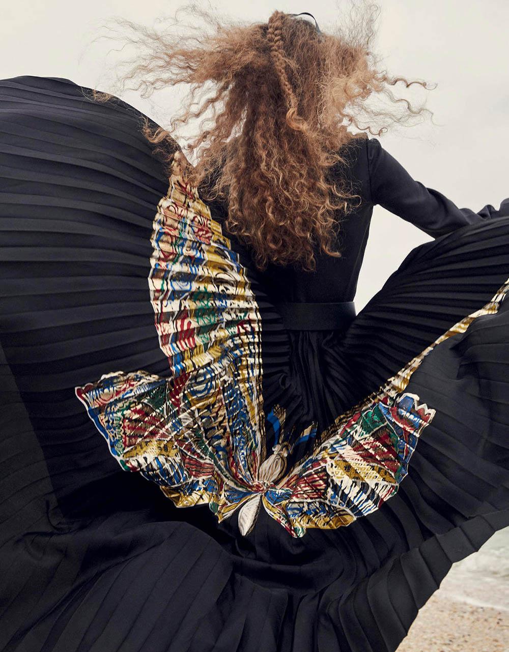 Carolina Burgin by Yelena Yemchuk for Vogue China December 2018