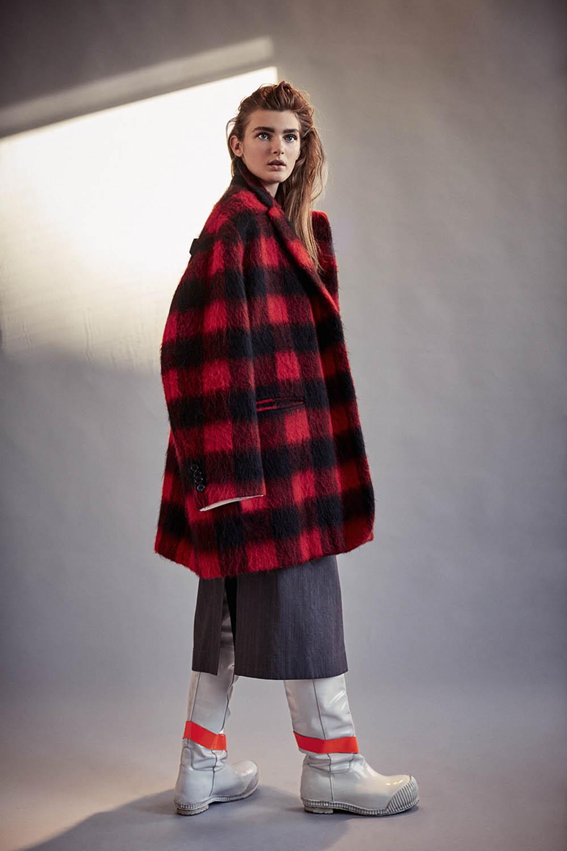 Nastya Abramova by Joshua Jordan for Harper's Bazaar Turkey January 2019