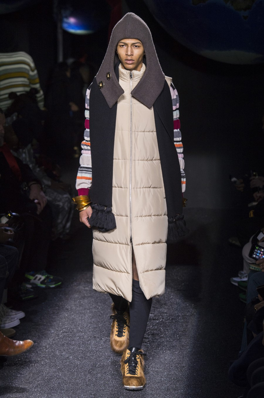 JW Anderson Men's Fall Winter 2019 – Paris Fashion Week