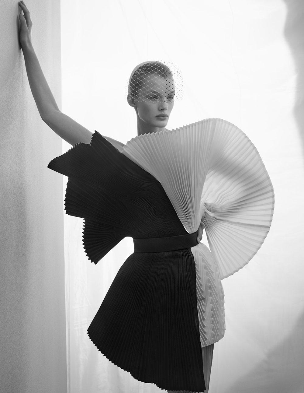 Kris Grikaite covers Vogue China January 2019 by Sølve Sundsbø