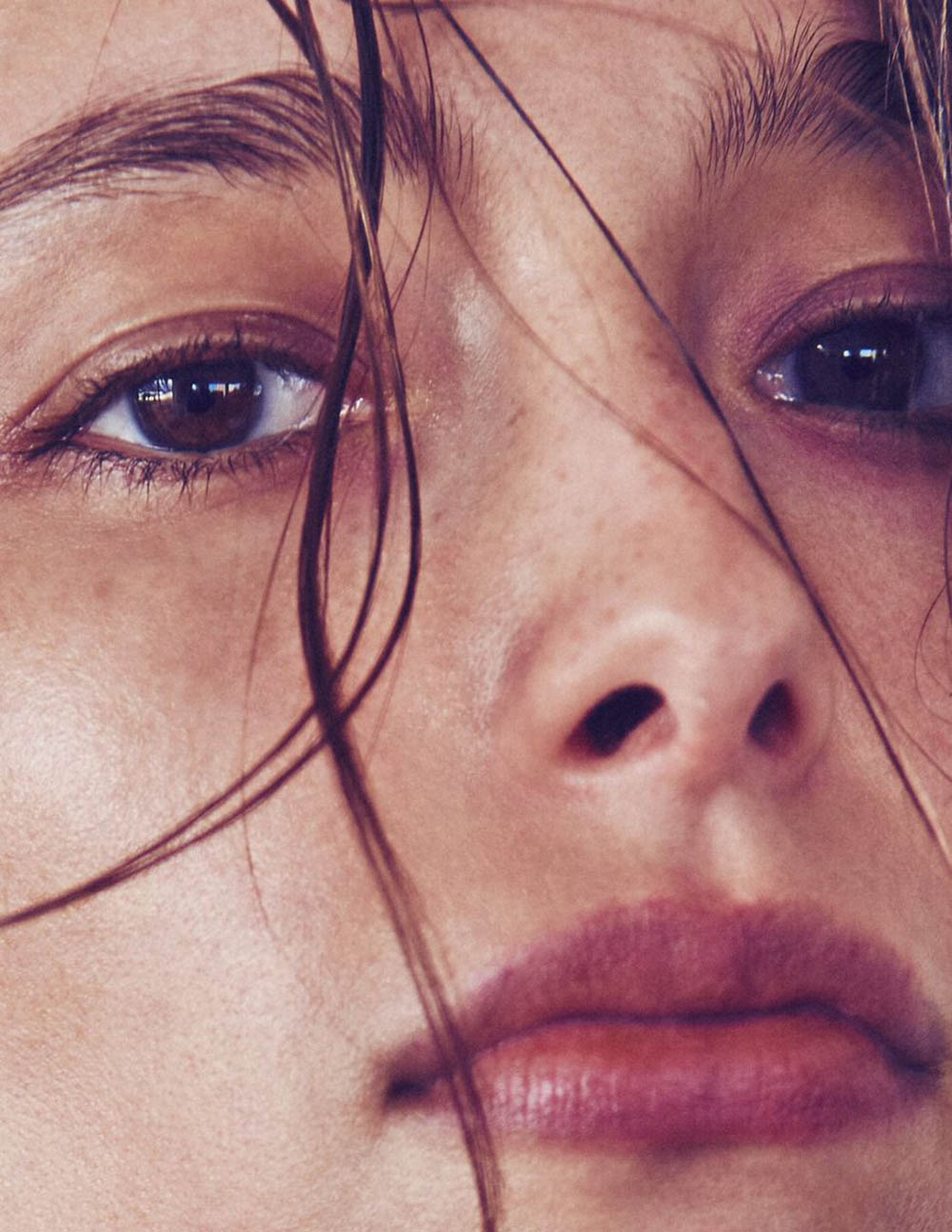 Alexandra Agoston and Jules Horn by Chris Colls for Elle US February 2019