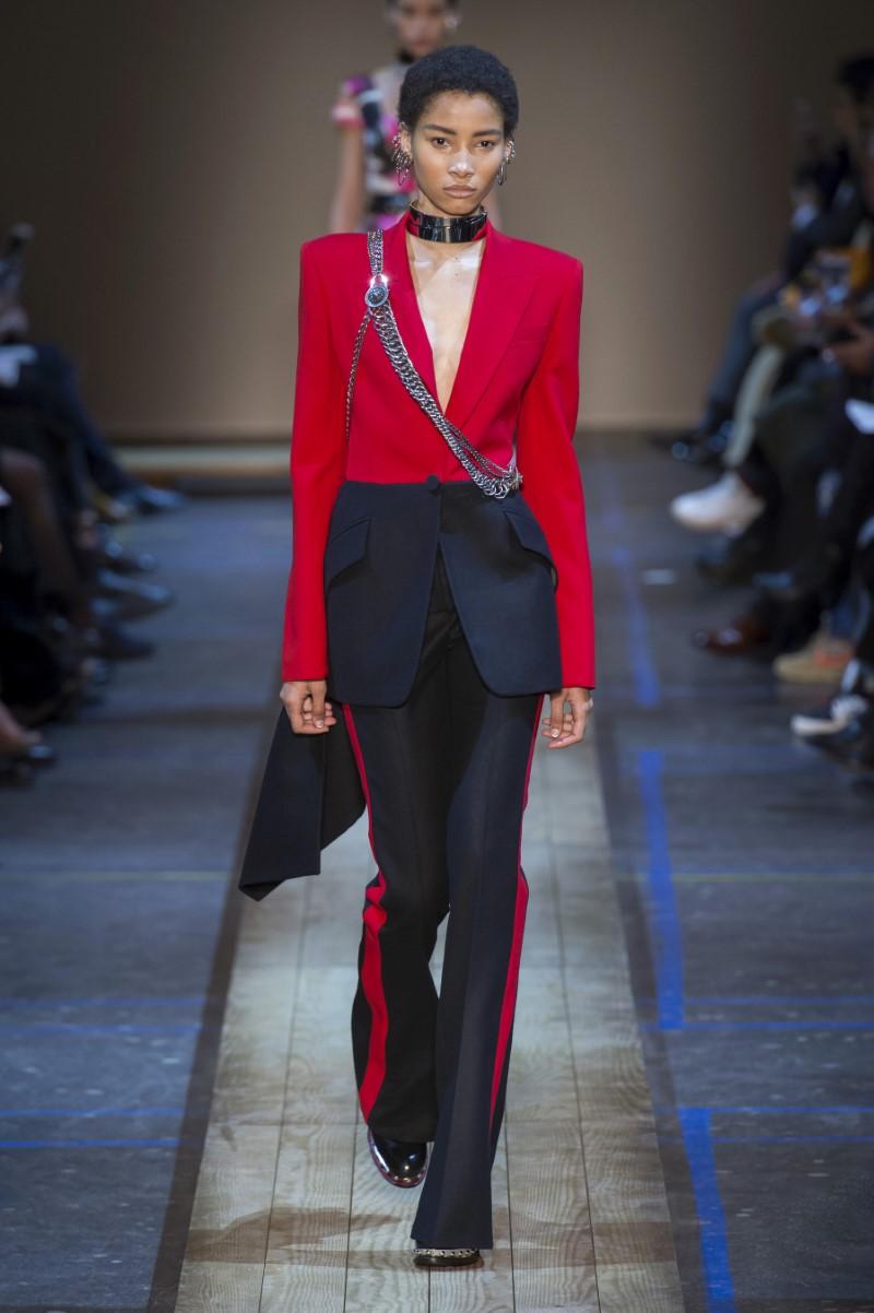 Alexander McQueen Fall Winter 2019 - Paris Fashion Week