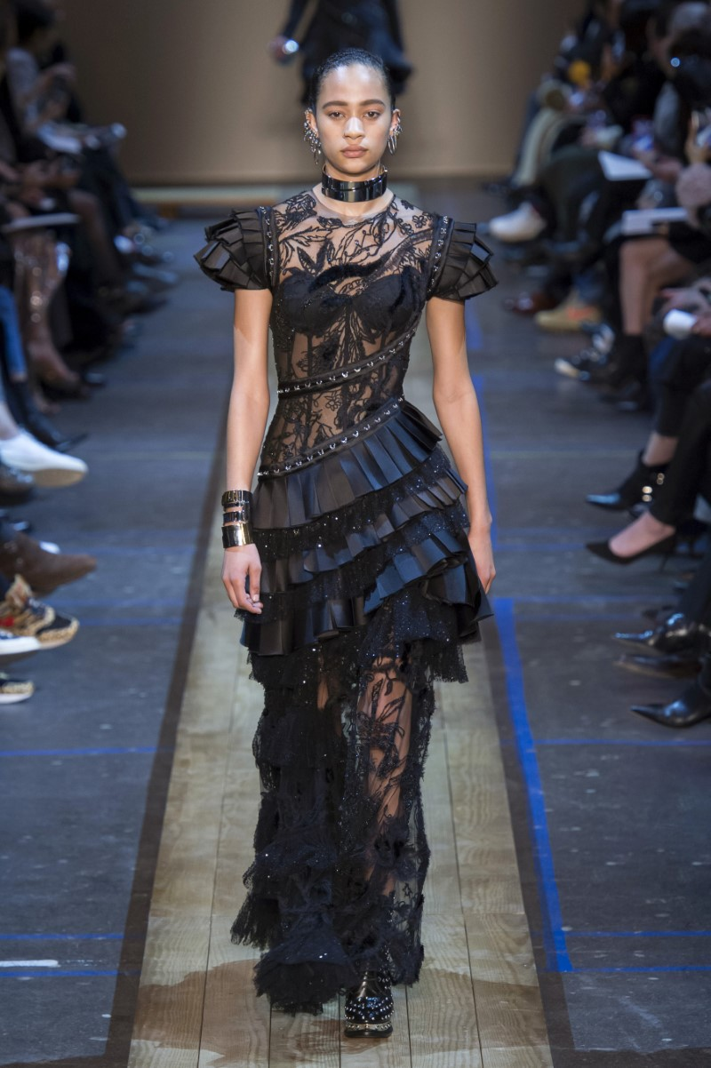 Alexander McQueen Fall/Winter 2019 - Paris Fashion Week