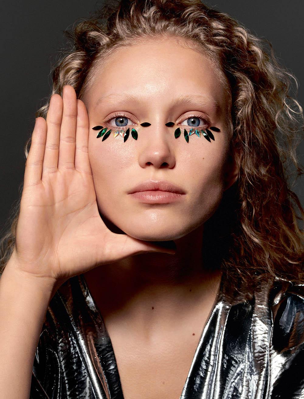 Kim van der Laan covers Elle France March 15th, 2019 by Liz Collins