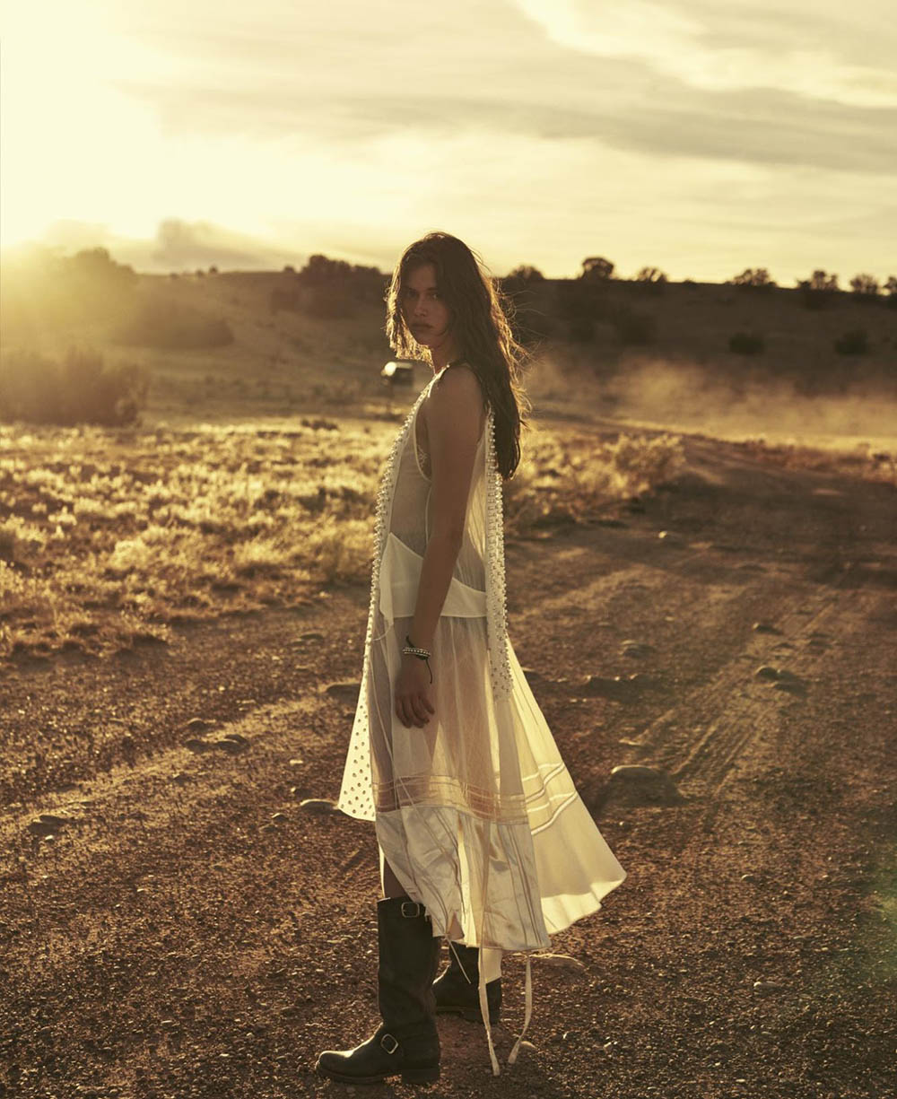 Vanessa Moody by Sebastian Kim for Elle US April 2019
