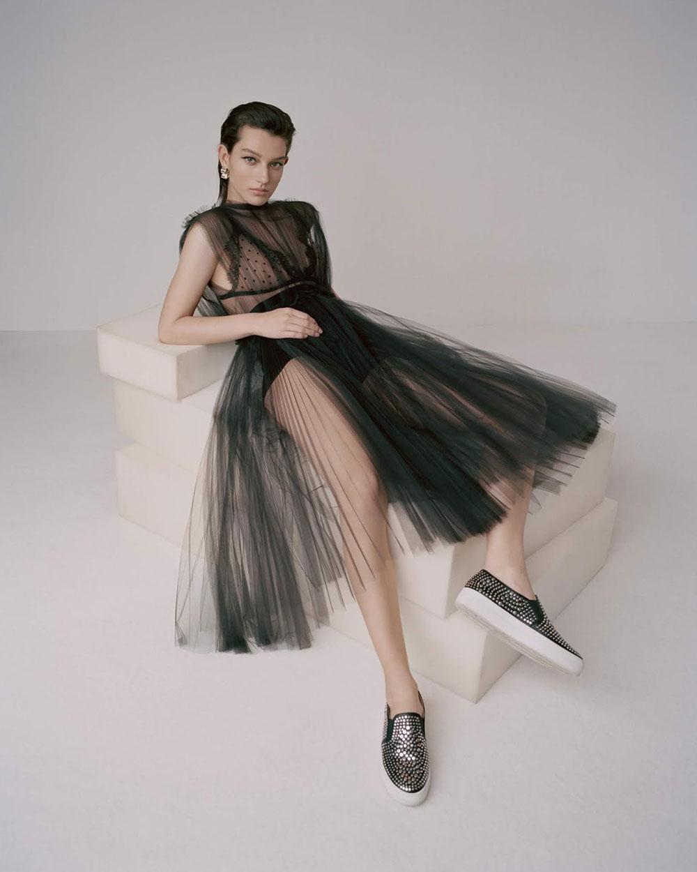 McKenna Hellam by Zoltan Tombor for Vogue Taiwan June 2019