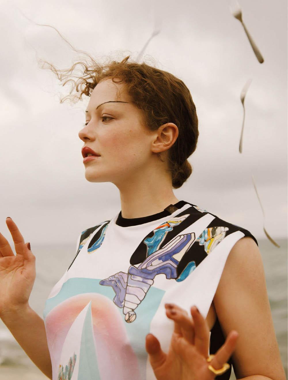 Zenobia Crimson by Noémi Ottilia Szabo for Elle Mexico June 2019