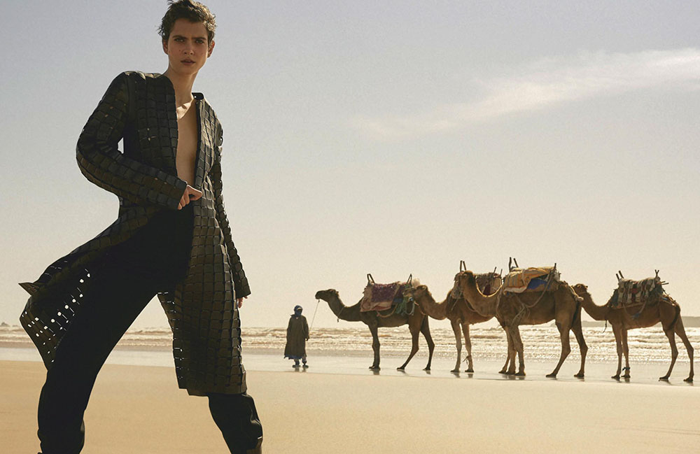 Amandine Renard by Daniel Clavero for Vogue Mexico & Latin America August 2019