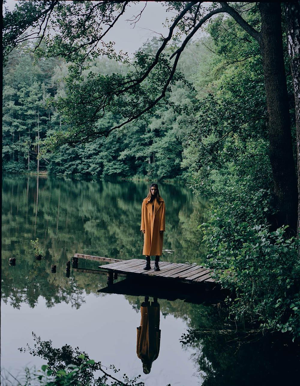 Luna Bijl covers Vogue Poland September 2019 by Sonia Szóstak
