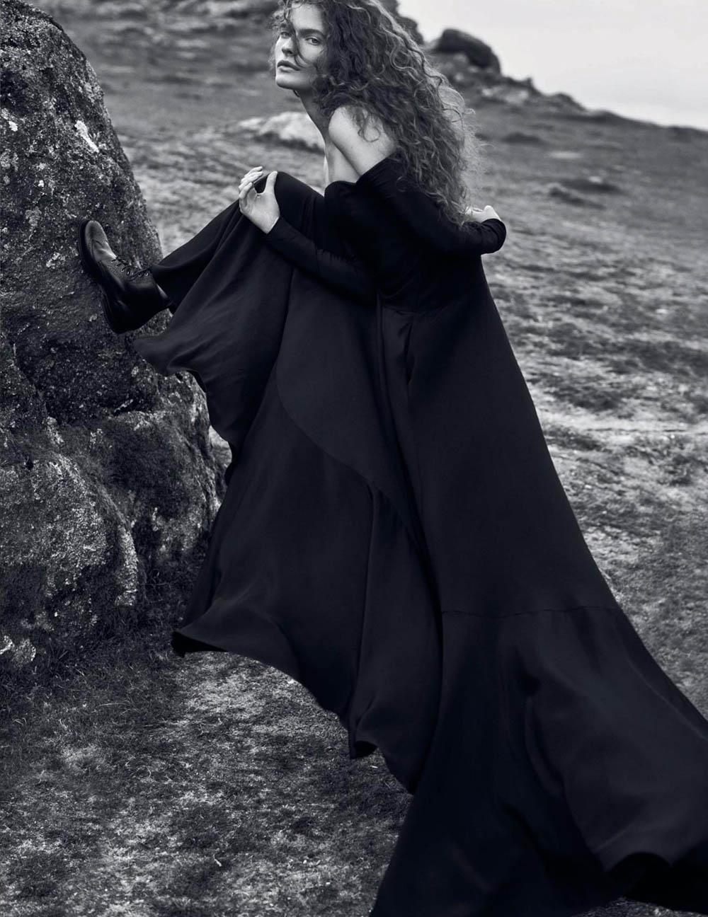 Carolina Burgin by Emma Tempest for Vogue Spain October 2019