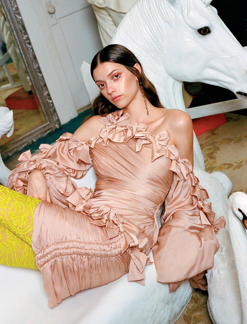 Valerie Scherzinger by Cesar Love Alexandre for Elle Mexico October 2019