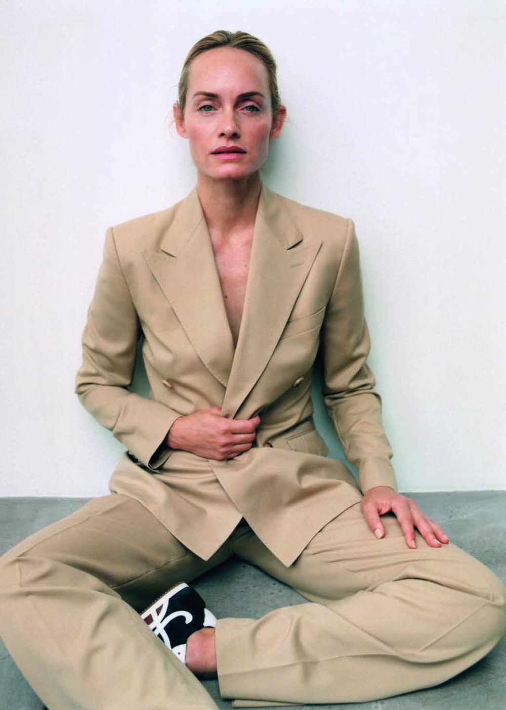 Amber Valletta by Zoë Ghertner for Vogue Poland November 2019