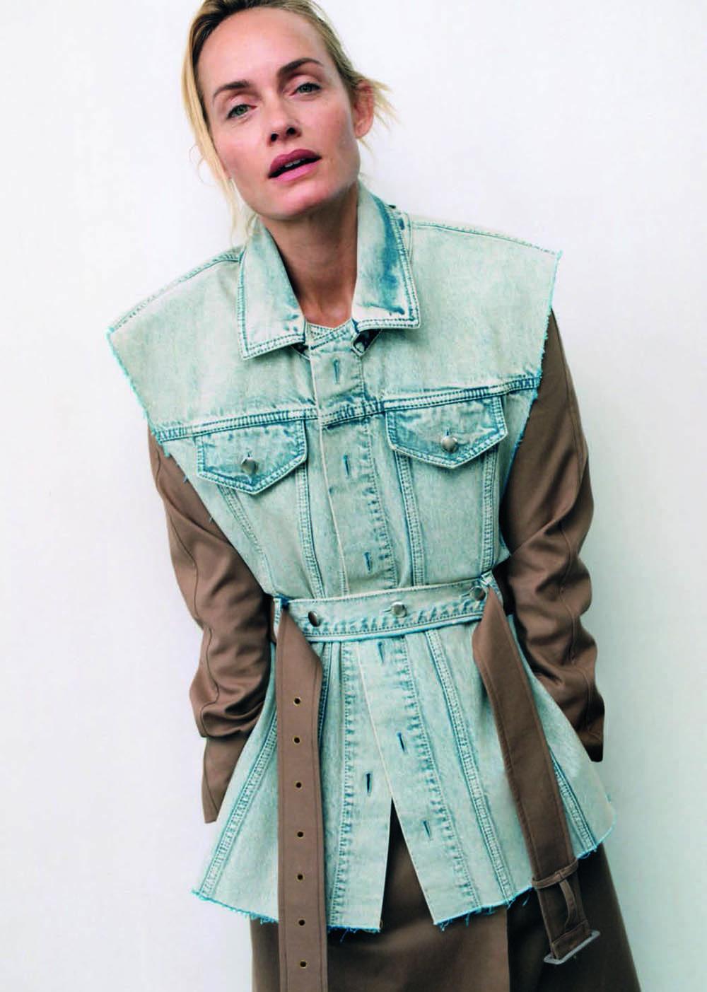 Amber Valletta by Zoë Ghertner for Vogue Poland November 2019