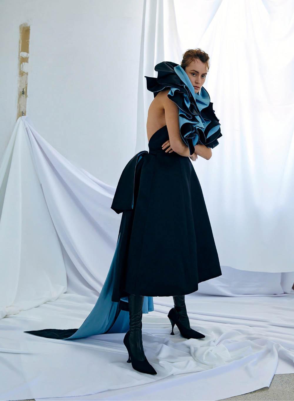 Rose Valentine by Royal Gilbert for Elle Canada December 2019