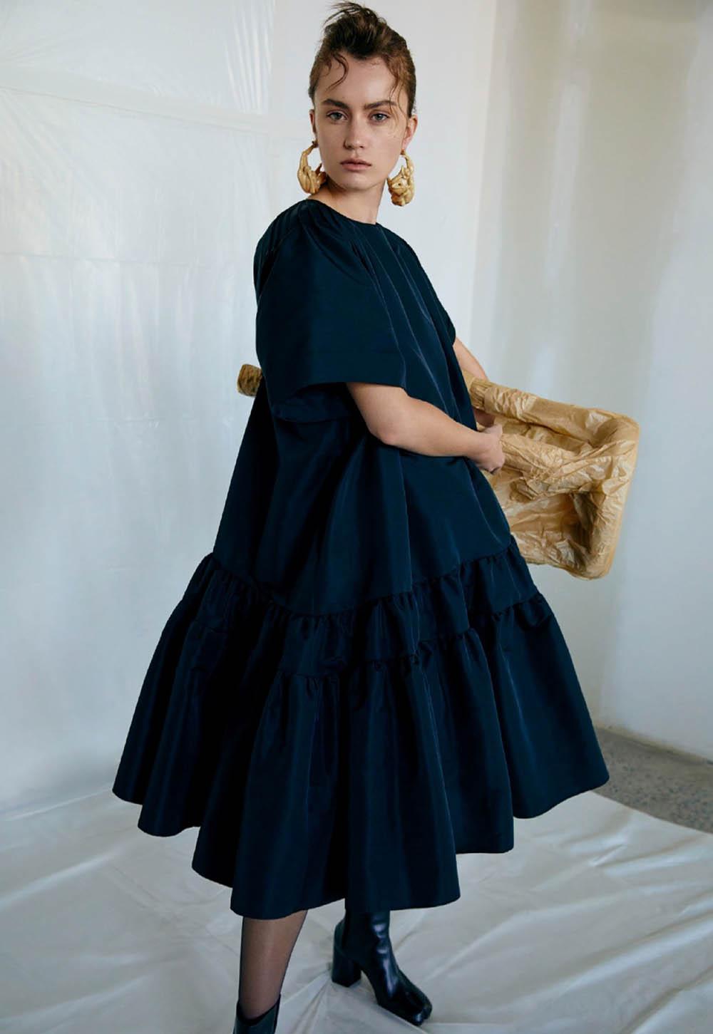Rose Valentine by Royal Gilbert for Elle Canada December 2019Rose Valentine by Royal Gilbert for Elle Canada December 2019