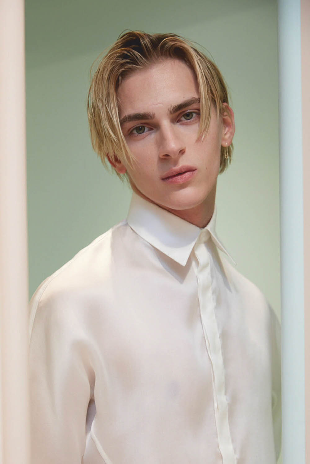 Dominik Sadoch covers Issue Magazine No.31 by Ben Lamberty