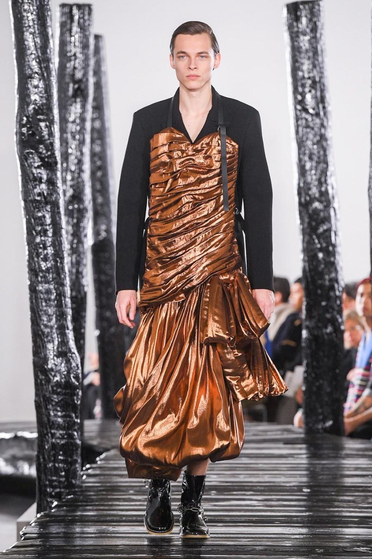 Loewe - Fall Winter 2020 - Paris Fashion Week Men's