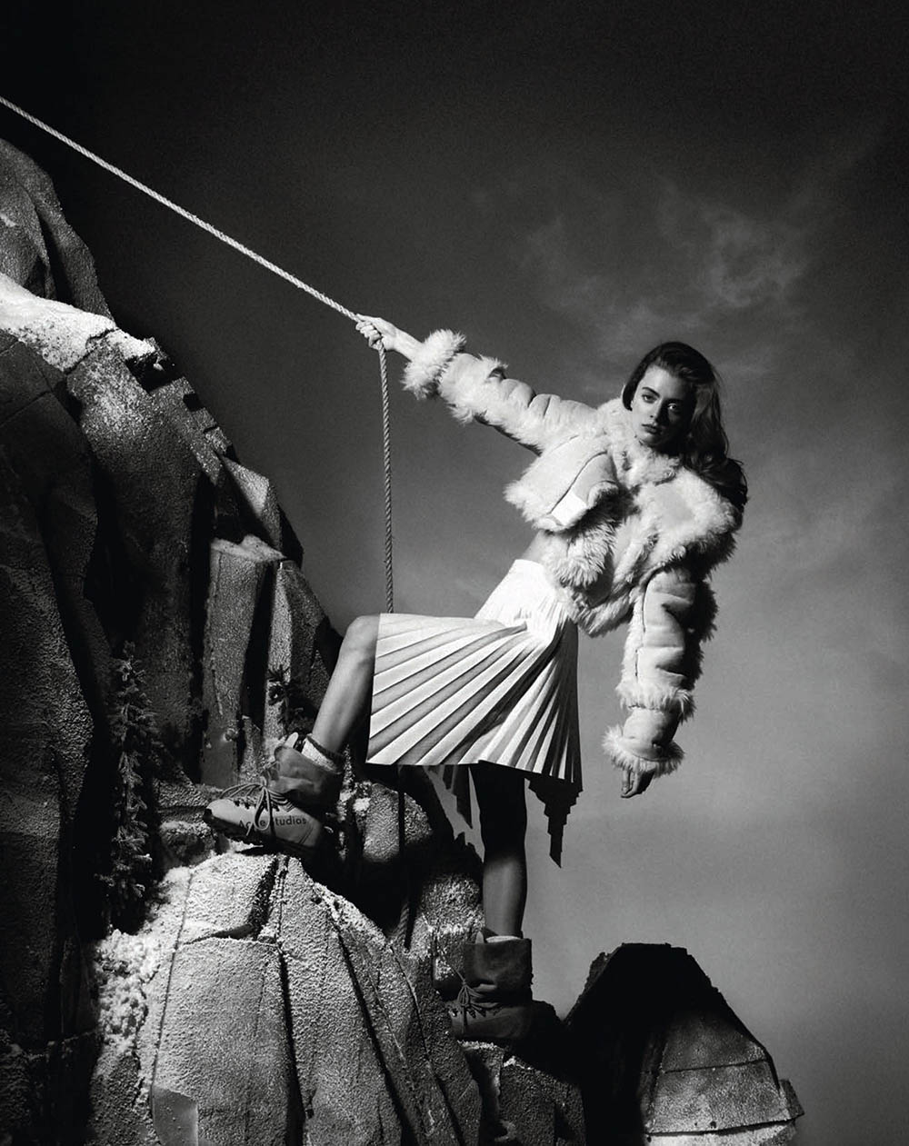 Patrycja Piekarska covers Vogue Poland January 2020 by Marcin Kempski