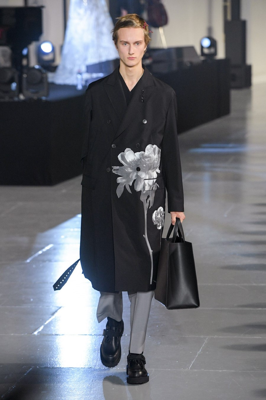 Valentino - Fall Winter 2020 - Paris Fashion Week Men's