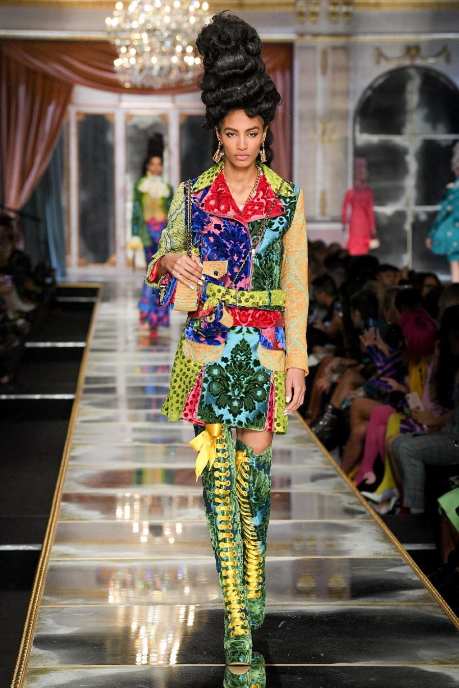 Moschino - Fall Winter 2020 - Milan Fashion WeekMoschino - Fall Winter 2020 - Milan Fashion Week