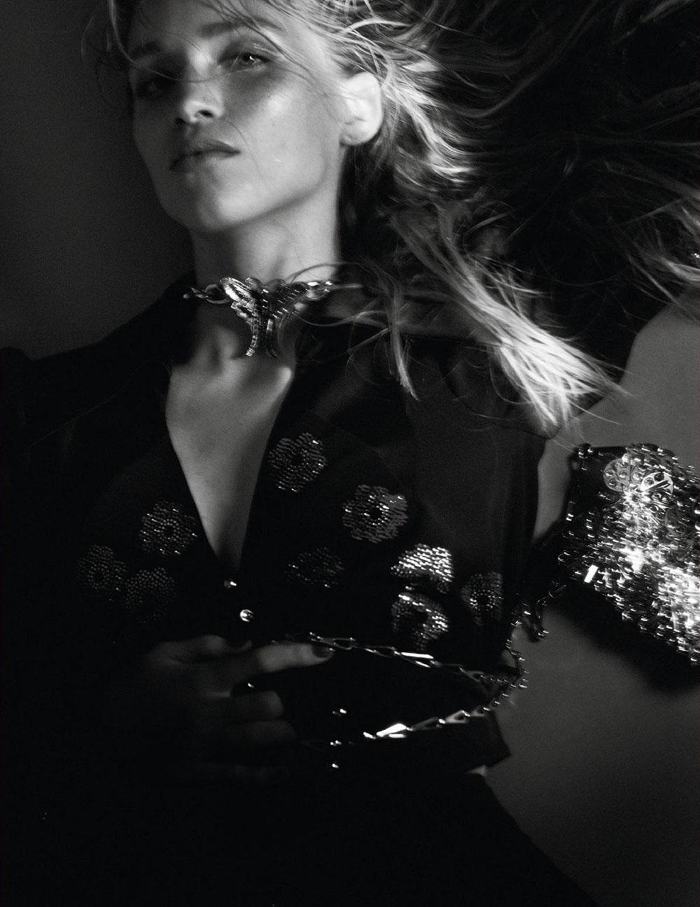 Rebecca Leigh Longendyke by David Sims for Vogue Paris February 2020