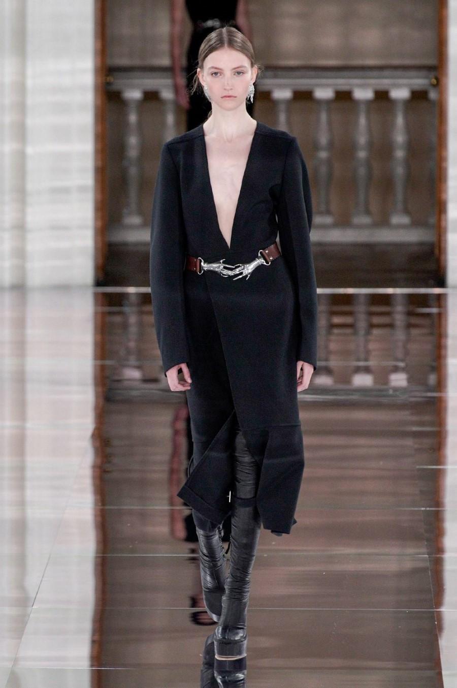 Victoria Beckham Fall Winter 2020 London Fashion Week Fashionotography