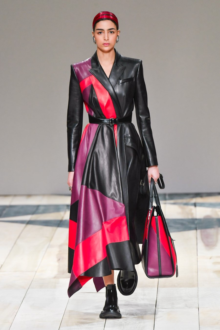 Alexander McQueen - Fall Winter 2020 - Paris Fashion Week