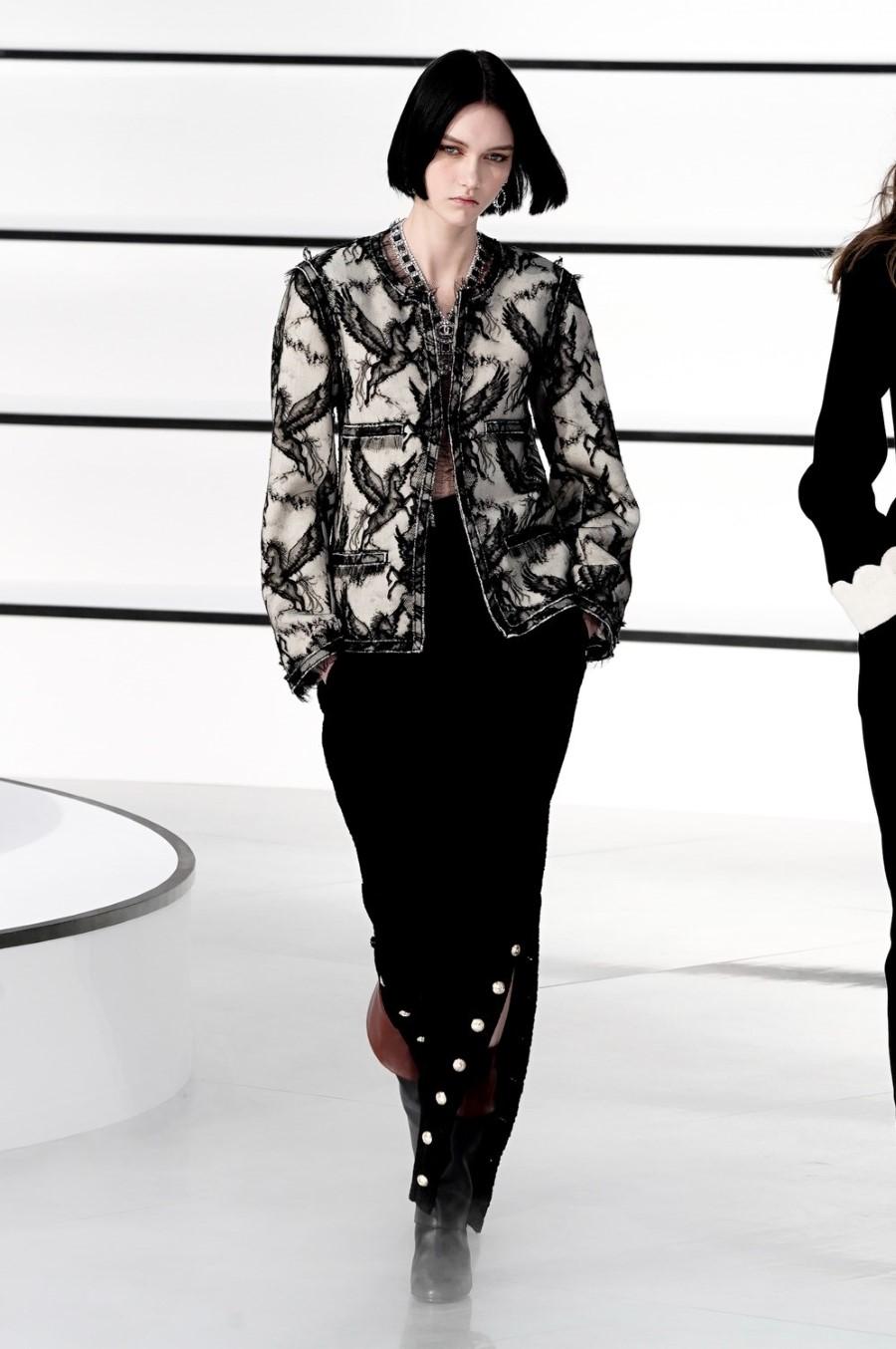 Chanel - Fall Winter 2020 - Paris Fashion Week