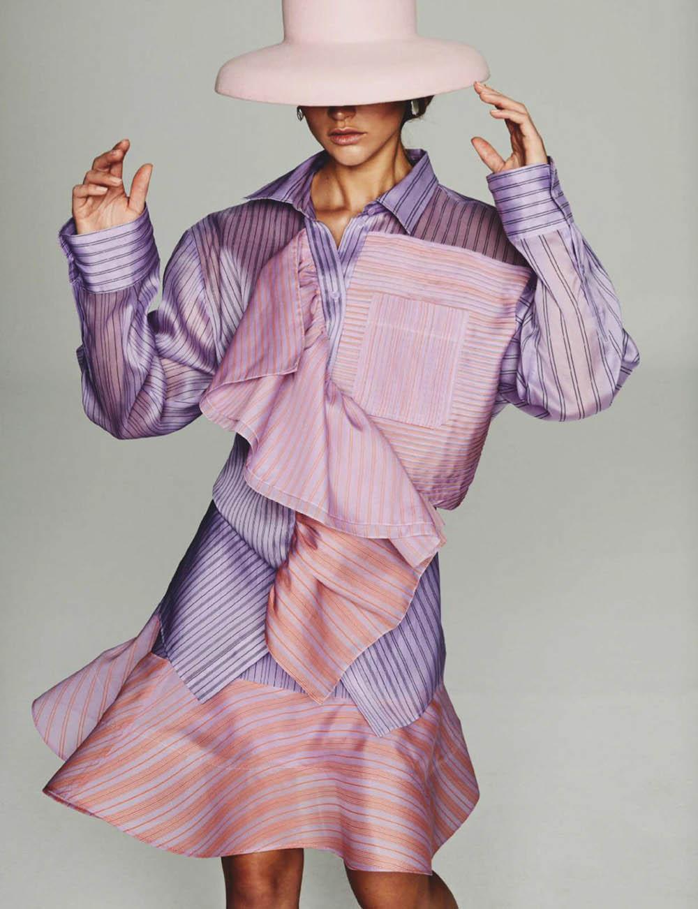 Chloe Lecareux by Rafa Gallar for Elle Spain March 2020