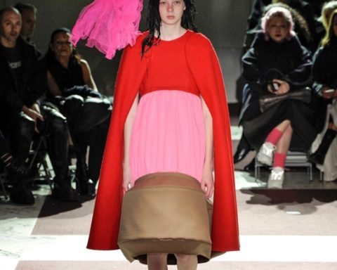 Comme des Garçons - Fall Winter 2020 - Paris Fashion Week