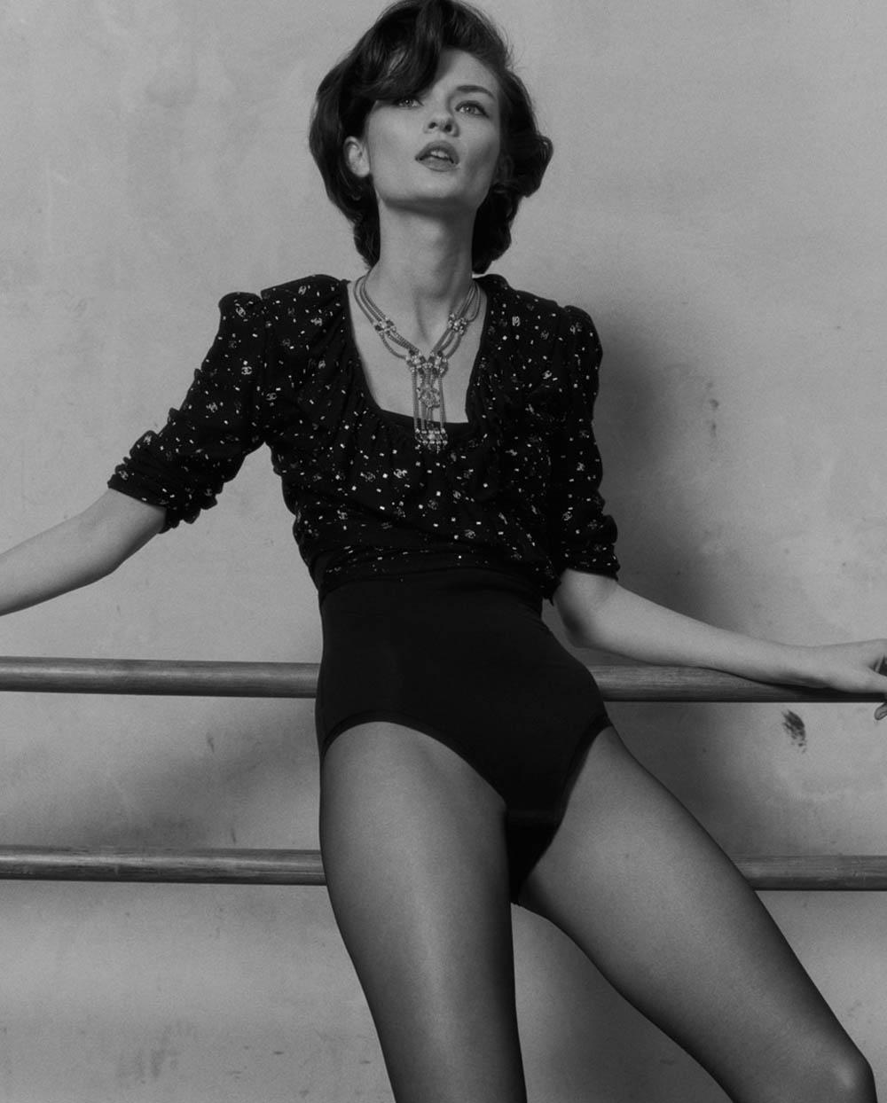 Lara Mullen covers Vogue Ukraine March 2020 by Bruno Staub