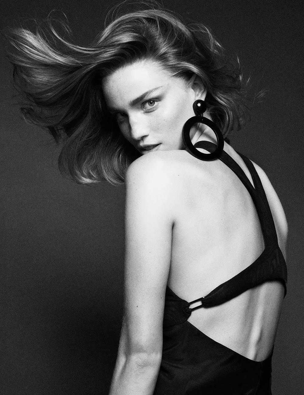 Vittoria Ceretti and Rebecca Leigh Longendyke cover Vogue Paris March 2020 by Mikael Jansson